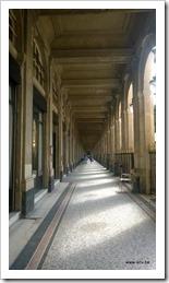 Palais Royale - ingang achterzijde, zuilengallerij