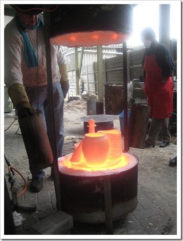 (foto werkstukken in raku oven)