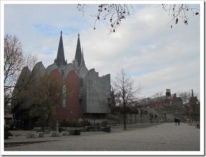 Museum Ludwig, met de Dom van Keulen op de achtergrond