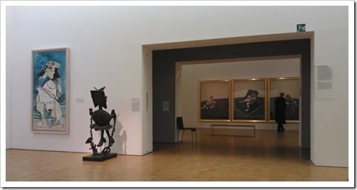 Centre Pompidou, vaste collectie 1905-1960. Voorgrond: Pïcasso. Achtergrond: Francis Bacon