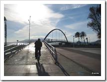Wandel- en fietsbrug in de buurt van Malaga