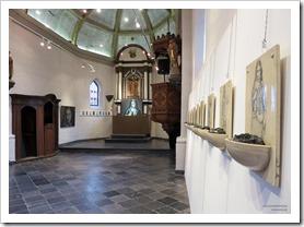 """foto 03 tentoonstelling """" St.-Barbara """" schilderijen en keramiek van An Vanderlinden"""