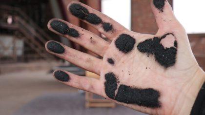 anv steenkoolstof op hand